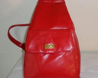 Vintage  Carla Marchi high quality genuine calf  leather  shoulder bag, sling bag, messenger bag day pack lipstick red excellent condition
