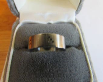 Stainless domino ring