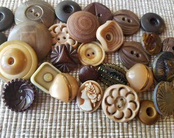 Vintage Buttons - Cottage chic mix of brown and tan, lot of 28 old and sweet( may 50 17)