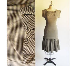 25 Waist, Vintage 1950s Dress / Hourglass Style Black & White Check / 50s Rockabilly Bombshell Wiggle Dress  / Petite  XS size