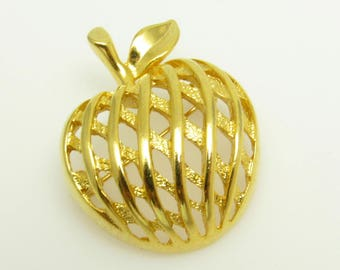 Vintage Apple Brooch Fruit Jewelry P7723