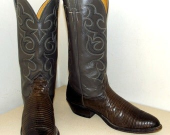 Nocona brand Cowboy boots Grey leather with lizard foot