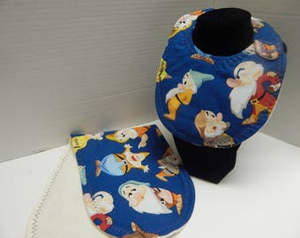 Newborn Bib and Burp Cloth Set Disney Snow White and the 7 Dwarfs