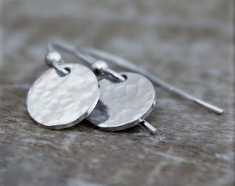 Minimalist Silver Earrings, Round Sterling Silver Earrings, Hammered Disc Earrings, Gifts For Women, Tiny Silver Disc Earrings,Gifts For Her