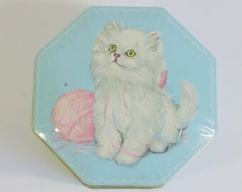 Sweet Vintage Tin White Kitten with Pink Yarn 8 Sided Hinged Tin Made In England Treasure Trinket Candy Button Merchandising/Craft Display
