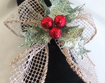 Napkin Rings with Gold Mesh, Sparkly Holly Leaves and Red Berries - Christmas - Holidays