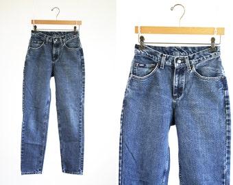 High Waist Denim Medium Wash Vintage LEE Woman's Slim Fit Tapered Leg Sexy Woman's Mom Blue Jean