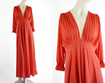 Coral Colored Vintage Lingerie Set Sleep Bra and Bat Wing Glamorous Ladies' Retro Maxi Dress Nightgown
