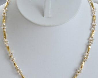 "On Sale Delicate Vintage Faux Pearl, Gold tone Link Necklace, 18"" (L7)"