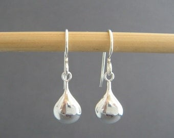 small silver teardrop earrings. simple silver earrings. sterling drop. puff oval. dangles. everyday simple minimalist jewelry