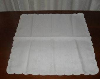 Vintage 60s Square Linen Dresser Scarf or Doilie with Scalloped Edge. Shabby chic, country cottage