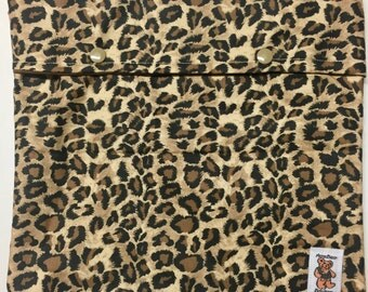 MamaBear Snap & Go Wet Bag - Travel Size (10 x 11) Leopard Brown Snaps