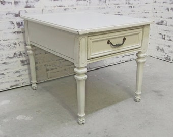 End Table / Nightstand, Distressed White Cottage Style - TB1001 Shabby Farmhouse Chic