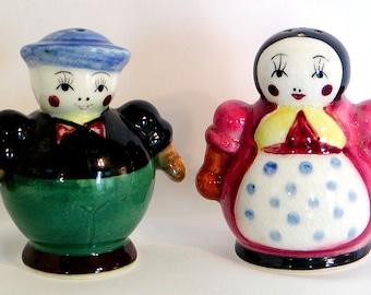 "Vintage Peasant Couple SALT & PEPPER SHAKERS Set Roly Poly Japan 3"" Figural"
