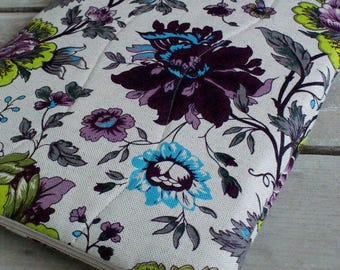 Special order/ Laptop sleeve case cover for a 15 inch Macbook/ linen/ zipper