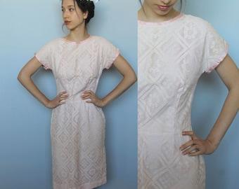 lace wiggle -- vintage 1960s blush lace dress size M
