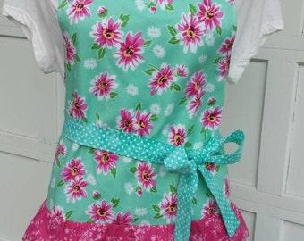 Aprons....Women's floral ruffle apron
