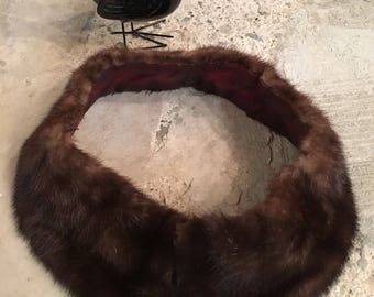 1950s 1960s Fur Collar - Upcycled Recycled Fur from Vintage Coat - Winter Accessory - Quirky Status Elegant Classic - Brown Mink Collar