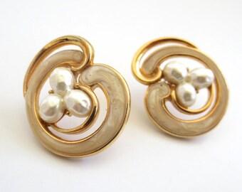 Vintage 80's Avon // Gold Enamel Pearl Swirl Earrings