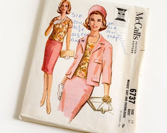 Vintage 1960s Womens Misses Size 10 Skirt Suit and Overblouse McCalls Sewing Pattern 6737 Complete / bust 31 waist 24 / Jackie O Style