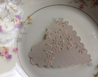 20 upcycled vintage italian  wallpaper scalloped hearts- petate floral