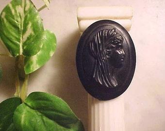 Vintage Art Deco Plastic Cameo ETRUSCAN Bakelite Lk Detailed Orig Pin Back Lovely COLLECTORS LOOK