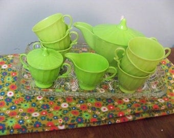 lovely green  childrens plastic vintage  play tea cups etc