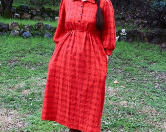 In DUE TIME - Vintage Maternity Dress 1980s Motherhood Red Black Belted Swing Dress Textured Bohemian Boho Pretty Classic Retro Secretary M