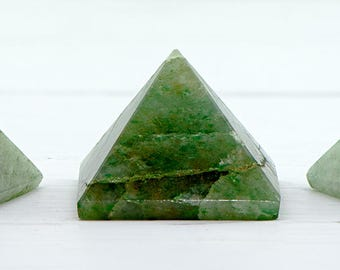 Green Aventurine Pyramid - Stone of Opportunity & Good Luck