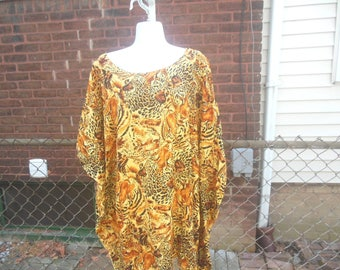 WHOLESALE / muumuu / tunic dress / long top / 80s vintage / tiger print / one size fits most / 42 length / savannahwillow