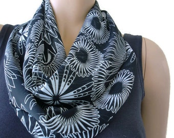 Black and white floral Infinity scarf, Necklace scarf floral print cowl-Tube version
