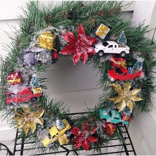 Kitschy Christmas Red Gold Green Wreath Decorated With
