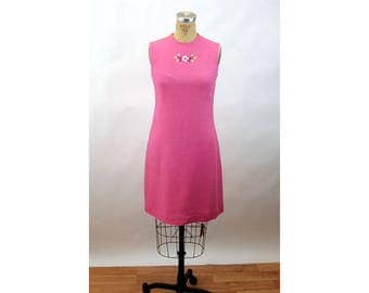 1960s linen dress shift dress summer dress pink embroidered dress Pamela Martin Size M