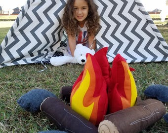 Imaginitive Play Eco Felt Campfire Fire Pit with Logs and Stones