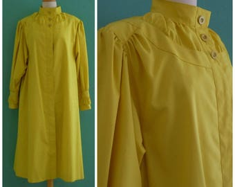 80's yellow spring trench coat // lightweight tent shaped trench coat ~ medium large
