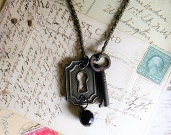 Vintage Key Necklace, Escutcheon Keyhole Cover Necklace, Vintage Assemblage Necklace, Antique Key Necklace, Steampunk Necklace