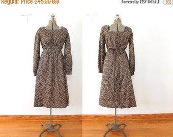 ON SALE 1970s Boho Dress / 70s Brown Paisley Boho Peasant Dress