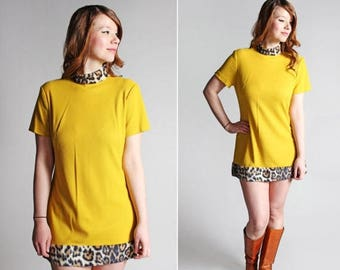 SALE Vintage Sunshine and Cheetah Mod Mini - Little Dress Short Go Go Shift Knit Short Sleeve 1960's 60's Retro Yellow - Size Medium or Larg