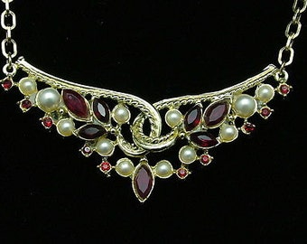 Vintage Necklace W/faux Pearls & Deep Red Rhinestone Drop On Gold Chain