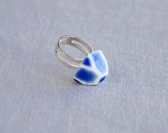 GEM ring. Geometric white porcelain, cobalt blue ceramic glaze, silver plated, trending jewellery