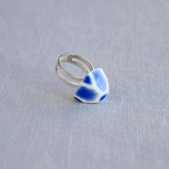 GEM ring. Geometric white porcelain, cobalt blue ceramic glaze, silver plated, trending jewellery