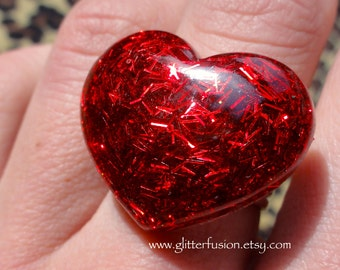 Ruby Red Tinsel Glitter Resin Heart Ring, Sparkly Valentine's Day Glitter Ring, Marilyn Monroe Inspired Vintage Glam Heart Statement Ring