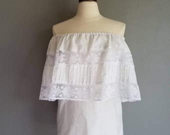 Vintage WHITE MEXICAN Boho Off the Shoulder Blouse (m)