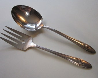 vintage flatware - QUEEN BESS II solid smooth casserole spoon and medium cold meat fork - serving pieces - Oneida Community Tudor Plate