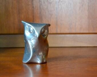 vintage hoselton aluminum owl figurine / modern owl figurine / silver metal home decor