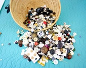 Mixed Lot of Buttons 11 Pounds Sewing Craft Collecting Vintage & Newer Mixed Button Lot