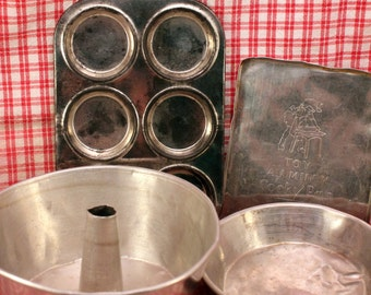 Toy  Bake Ware Cookie Sheet Chiffon Cake Pie Pans Muffin Tin Vintage Doll Cookware Dishes Aluminium