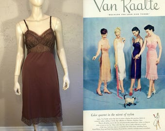 Those Seductive Years - Vintage 1940s 1950s Chocolate Brown Nylon Full Slip w/Lace - 32