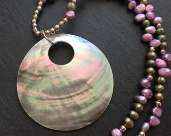 Shell Pendant, Beaded Necklace, Shell Necklace, Pearl Beaded Necklace, Colored Pearl Necklace
