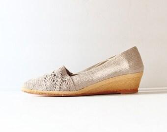 sale // Beige Crochet Wedge Espadrille Summer Shoe - Evan Picone Vintage 80s Dead Stock NOS - Women 7 Narrow